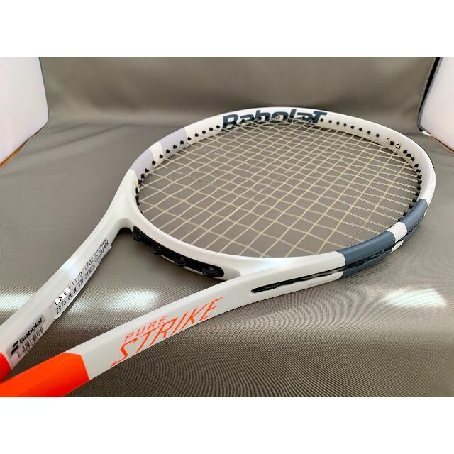 Babolat(バボラ)のBabolat PureStrike Team / バボラ ピュアストライク スポーツ/アウトドアのテニス(ラケット)の商品写真