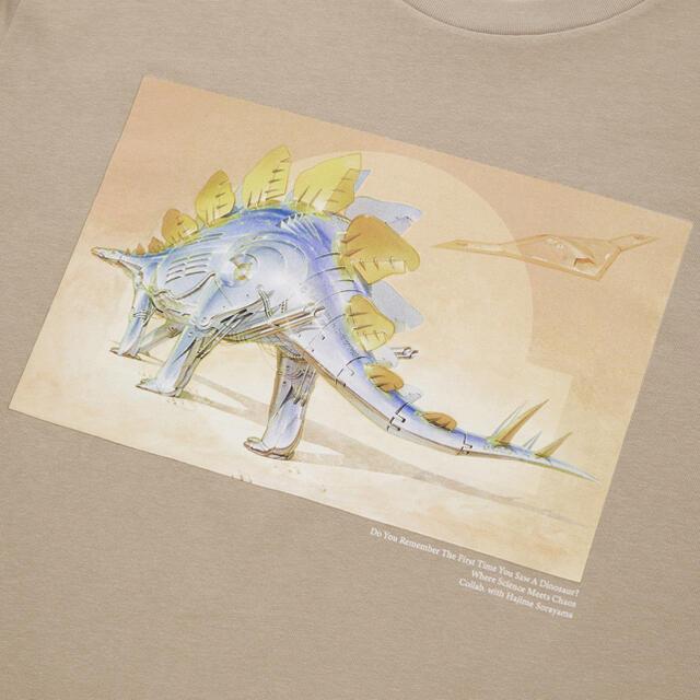 UNIQLO(ユニクロ)の新品 タグ付き ジュラシックワールド 空山基 UT グラフィック Tシャツ 恐竜 メンズのトップス(Tシャツ/カットソー(半袖/袖なし))の商品写真