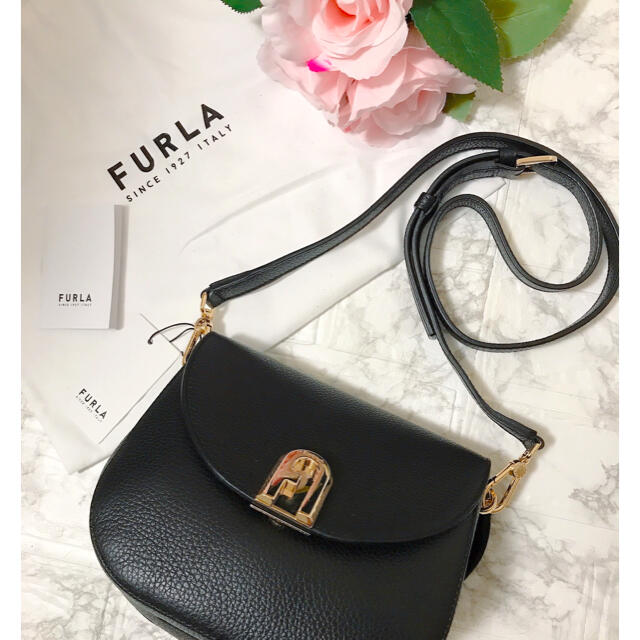 Furla(フルラ)のフルラ   FURLA furla ショルダーバッグ 斜めがけ 黒 新品 レディースのバッグ(ショルダーバッグ)の商品写真