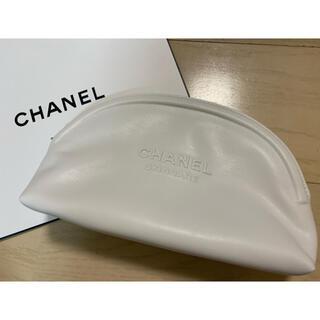 CHANEL - 【新品】シャネル❣️ポーチ ホワイト