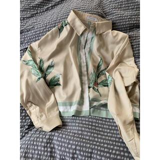 ジーナシス(JEANASIS)のフラワーシャツ(シャツ/ブラウス(長袖/七分))