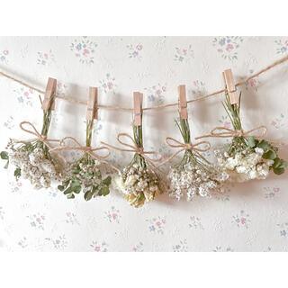 ホワイトバラとかすみ草とユーカリのドライフラワーガーランド♡スワッグ♡ミニブーケ