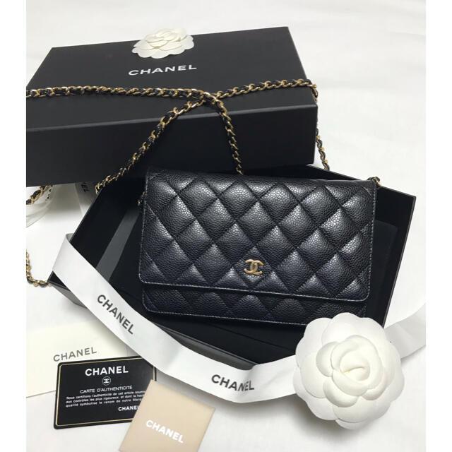 CHANEL(シャネル)のシャネル♡チェーンウォレット♡キャビアスキン♡ブラック♡ゴールド金具 レディースのバッグ(ショルダーバッグ)の商品写真