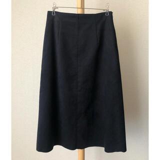 エムプルミエ(M-premier)の【美品】エムプルミエ スエード調 ネイビー 紺系 スカート 日本製 サイズ38(ひざ丈スカート)