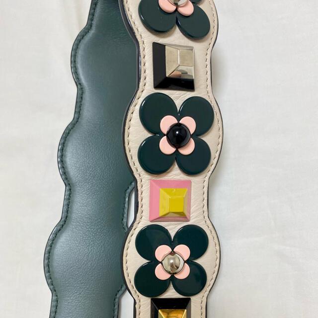 FENDI(フェンディ)のFendiストラップユーお花 ハンドメイドのファッション小物(バッグチャーム)の商品写真