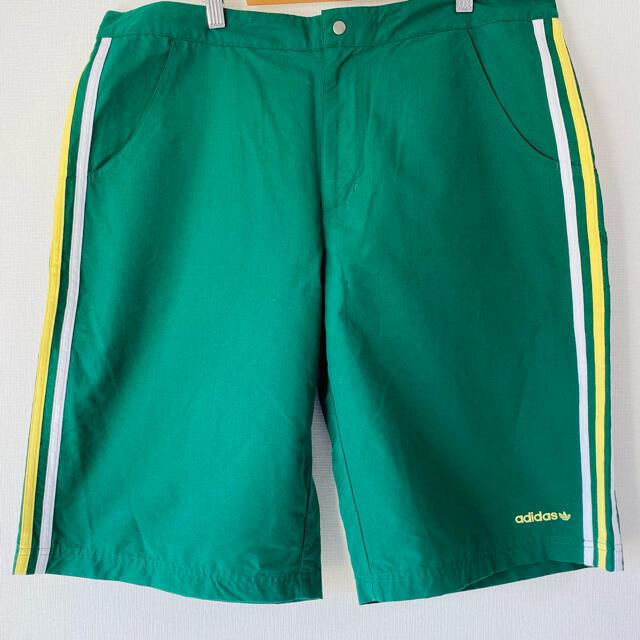 adidas(アディダス)のadiaas【最終値下げ 】オリジナルス ハーフパンツ XLサイズ美品アディダス メンズのパンツ(ショートパンツ)の商品写真