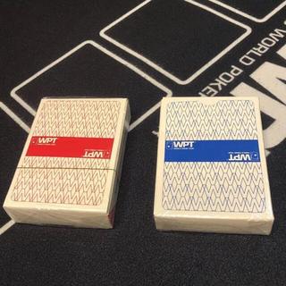 ワールドポーカー ブルーレッドの2個セット(トランプ/UNO)