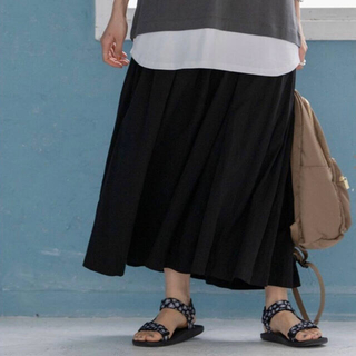 コーエン(coen)のコーエン チンツタックマキシスカート ロングスカート 黒(ロングスカート)