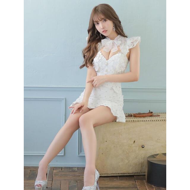 ROBE(ローブ)の美品 送料込 ローブドフルール ホワイト 花柄 レース レディースのフォーマル/ドレス(ナイトドレス)の商品写真