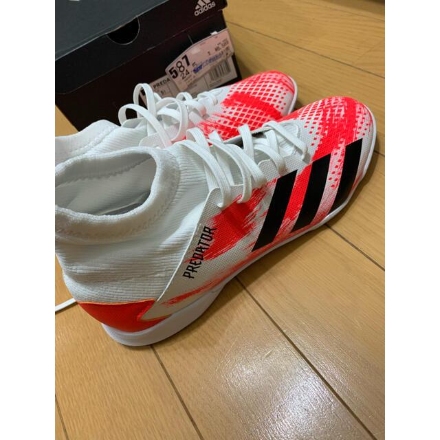 adidas(アディダス)のアディダス 室内用フットサル シューズ 24.5 スポーツ/アウトドアのサッカー/フットサル(シューズ)の商品写真