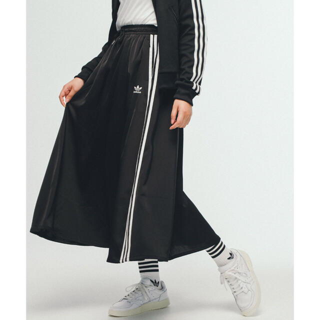 adidas(アディダス)のadidas サテンスカート レディースのスカート(ロングスカート)の商品写真