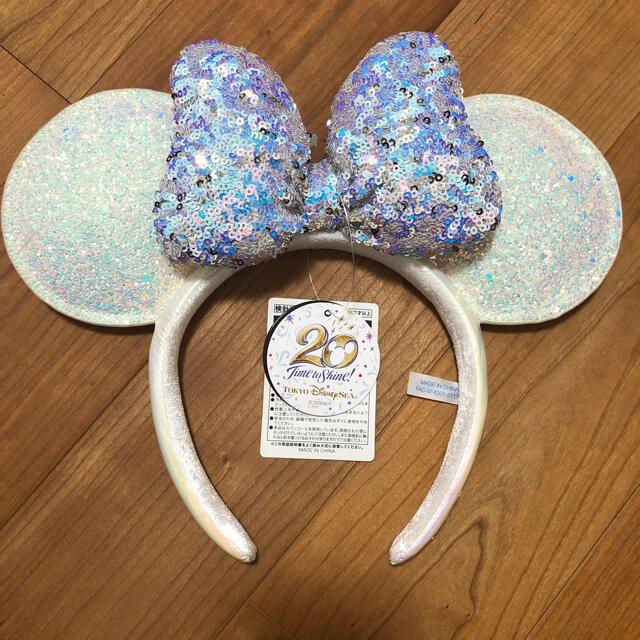 Disney(ディズニー)の東京ディズニーシー 20周年 カチューシャ 白 エンタメ/ホビーのおもちゃ/ぬいぐるみ(キャラクターグッズ)の商品写真