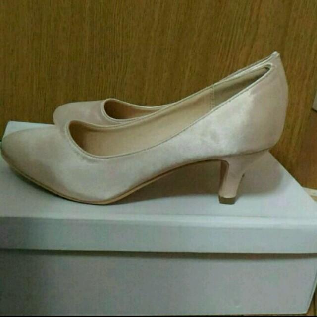 Fin(フィン)の【新品】ゴールドパンプス♪ レディースの靴/シューズ(ハイヒール/パンプス)の商品写真