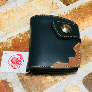 レッドムーン(REDMOON)の未使用レッドムーン ショートウォレット 2つ折り財布 ブラック本革(折り財布)