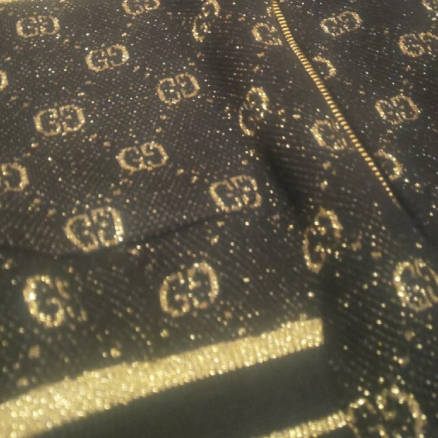 Gucci(グッチ)の20万 GUCCI  ニットカーデ レディースのトップス(カーディガン)の商品写真