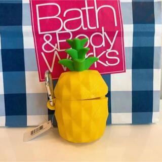 バスアンドボディーワークス(Bath & Body Works)の【新品】バスアンドボディワークス ジェル ホルダー パイナップル(キーホルダー)