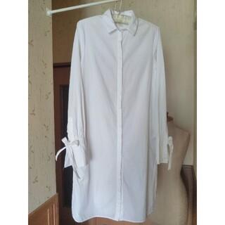 エイチアンドエム(H&M)の白 袖リボン ロングシャツ (シャツ/ブラウス(長袖/七分))