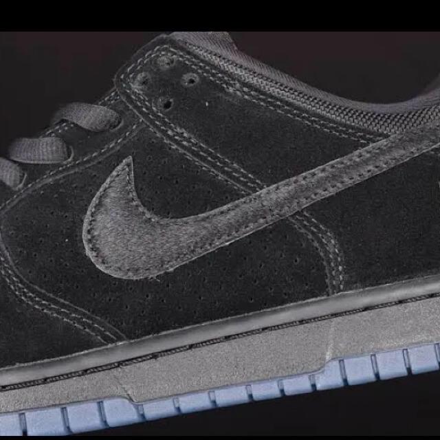 【値下げ】UNDEFEATED × NIKE DUNK LOW SP  メンズの靴/シューズ(スニーカー)の商品写真