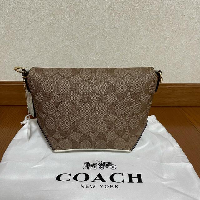 COACH(コーチ)の新品未使用 コーチ ショルダーバッグ レザー スヌーピー シグネチャー  レディースのバッグ(ショルダーバッグ)の商品写真