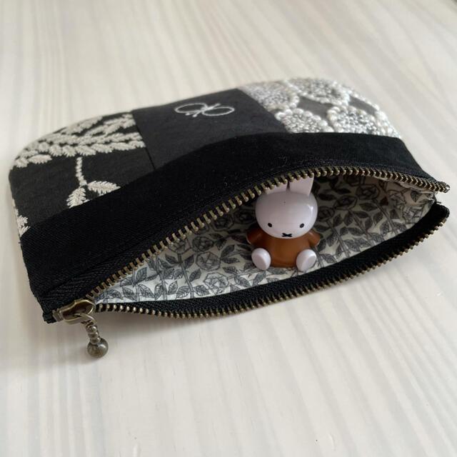 mina perhonen(ミナペルホネン)のミナペルホネン tarte ポーチ パッチワーク ハンドメイドのファッション小物(ポーチ)の商品写真