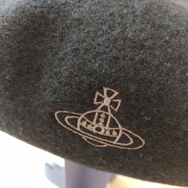 Vivienne Westwood(ヴィヴィアンウエストウッド)の「VivienneWestwood」のベレー帽 レディースの帽子(ハンチング/ベレー帽)の商品写真