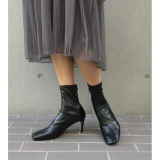 アメリヴィンテージ(Ameri VINTAGE)の新品未使用 AMAIL シンプソンブーツ ブラック(ブーツ)