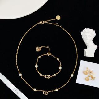 ディオール(Dior)の【美品】ディオール DIOR  ピアス、ブレスレット、ネックレスの3点セット(ネックレス)
