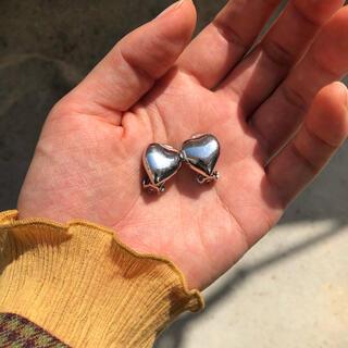 flower - silver heart earring