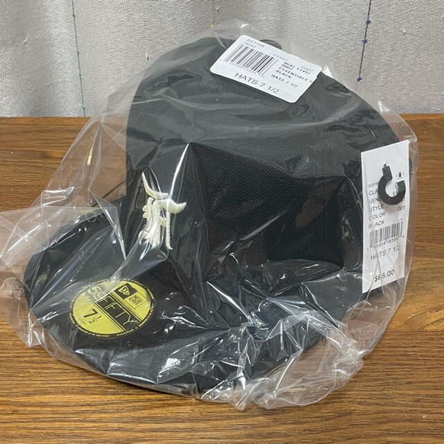 NEW ERA(ニューエラー)の新品未開封 ESSENTIALS FOG New Era Cap 59FIFTY メンズの帽子(キャップ)の商品写真