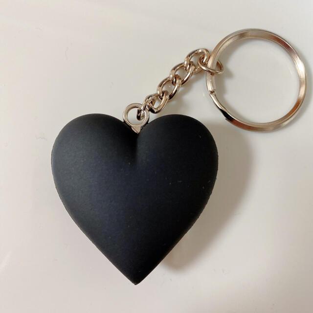 GDC(ジーディーシー)の希少限定ブラックGDC HEART KEYCHAIN メンズのファッション小物(キーホルダー)の商品写真