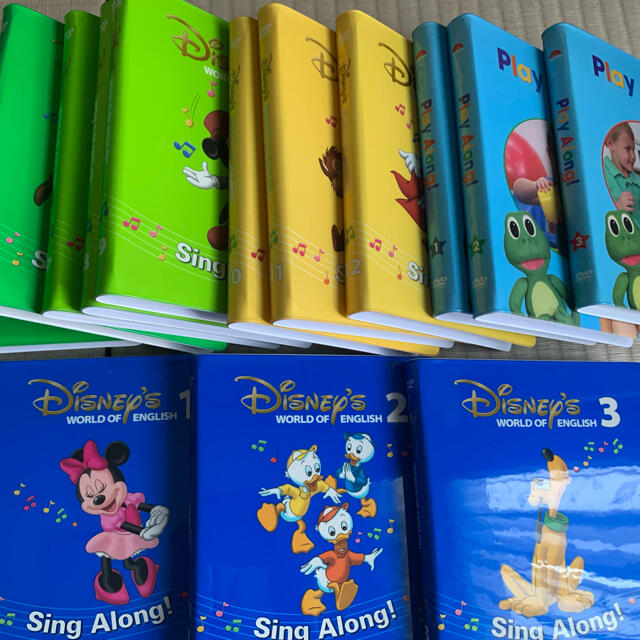 Disney(ディズニー)のDWE sing along DVD 12枚+play along DVD3枚 キッズ/ベビー/マタニティのおもちゃ(知育玩具)の商品写真