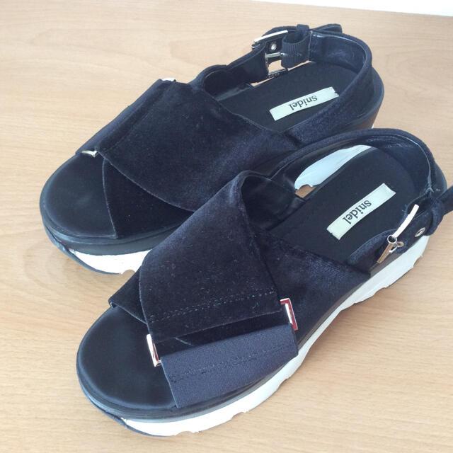 snidel(スナイデル)のスナイデル スニーカーソールサンダル レディースの靴/シューズ(サンダル)の商品写真