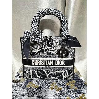 クリスチャンディオール(Christian Dior)のDior(レディ ディオール) ミディアムバッグ(ハンドバッグ)