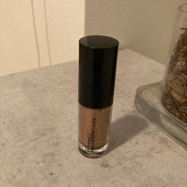 MAC(マック)のMAC ダズルシャドウリキッド フラッシュアンドダッシュ コスメ/美容のベースメイク/化粧品(アイシャドウ)の商品写真
