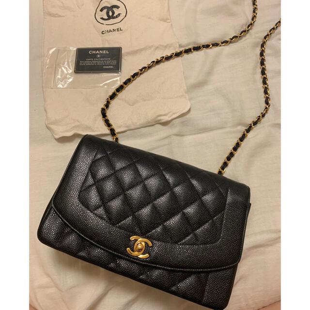 CHANEL(シャネル)のCHANEL  シャネル ダイアナ マトラッセ キャビアスキン レディースのバッグ(ショルダーバッグ)の商品写真