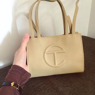 Telfar 小さいサイズのショッピングバッグ(ショルダーバッグ)