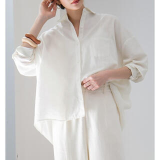 ケービーエフ(KBF)のKBF リネンMIXオーバーシャツ ホワイト(シャツ/ブラウス(長袖/七分))