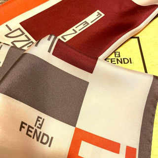 FENDI - 極美 フェンディ シルクスカーフズッカ straight nice design