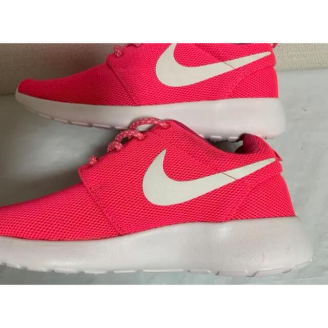 NIKE(ナイキ)の【美品】24㎝ NIKE WMNS ROSHE ONE  ローシワン ピンク レディースの靴/シューズ(スニーカー)の商品写真