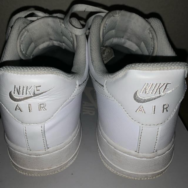 NIKE(ナイキ)のエアフォース1 白 27センチ メンズの靴/シューズ(スニーカー)の商品写真