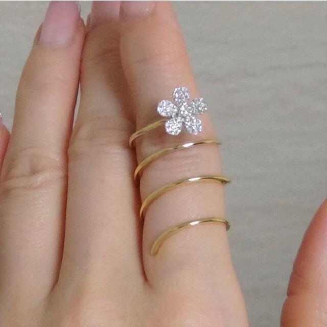 18金製 ダイヤのスパイラルリング 超美品です レディースのアクセサリー(リング(指輪))の商品写真