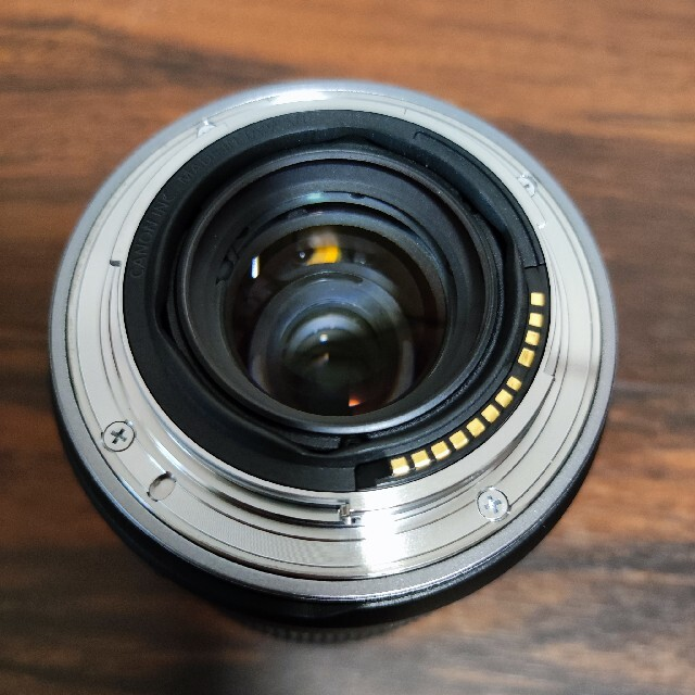 Canon(キヤノン)のRF24-105mm F4-7.1 IS STM レンズ保護フィルター付 スマホ/家電/カメラのカメラ(レンズ(ズーム))の商品写真