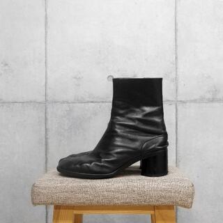 Maison Martin Margiela - MAISON MARGIELA BLACK LEATHER TABI BOOTS