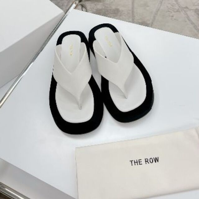 THE ROW 2021 春夏Ginza Sandal in suede 37 レディースの靴/シューズ(サンダル)の商品写真