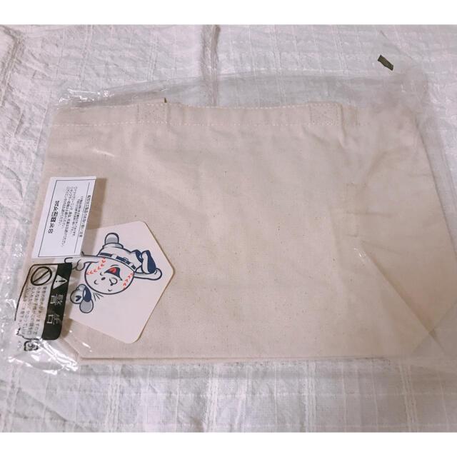 広島カープグッズ カナヘイの小動物コラボ ランチトートバッグ  スポーツ/アウトドアの野球(記念品/関連グッズ)の商品写真