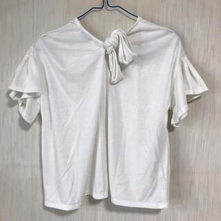 アースミュージックアンドエコロジー(earth music & ecology)のバックリボン白ティーシャツ(Tシャツ(半袖/袖なし))