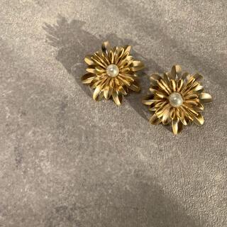 Lily Brown - flower  pierce  フラワーピアス ゴールドピアス