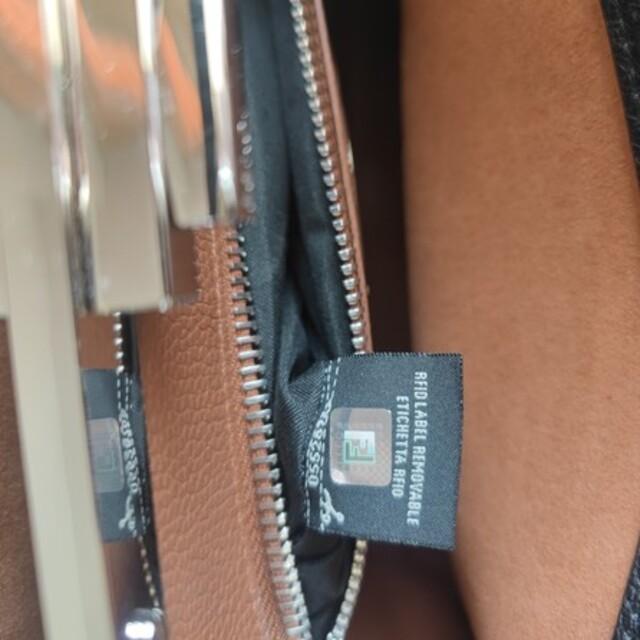 FENDI(フェンディ)の【超美品】 FENDI フェンディ ピーカブー セレリア レディースのバッグ(ハンドバッグ)の商品写真