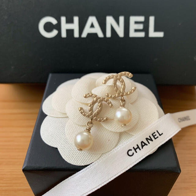 CHANEL(シャネル)のCHANEL♡マトラッセ ココマーク パール ピアス レディースのアクセサリー(ピアス)の商品写真