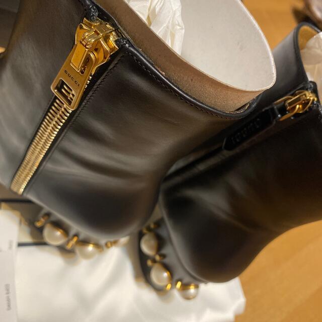 Gucci(グッチ)のGucci パールブーツ 新品 レディースの靴/シューズ(ブーツ)の商品写真